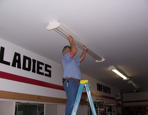technician w/ceiling lighting